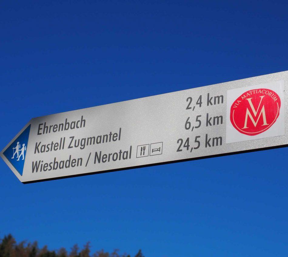 Wanderwed Via Mattiacorum Wegweiser